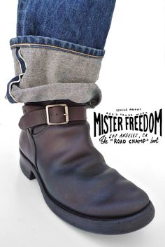 Under my skin Bottes Red Wing, Red Wing Boots, Brown Leather Ankle Boots, Biker Leather, Mens Biker Boots, Motorcycle Boots, Chopper, Engineer Boots, Cool Boots