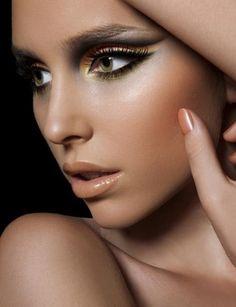 Smokey eyes & Nude lipstick. <3