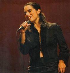 Cristina Branco http://userserve-ak.last.fm/serve/500/4575520/Cristina+Branco+cristinabranco24.jpg