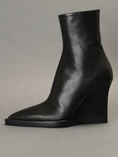 Furry witches are coming this winter! w/ Ann Demeulemeester ankle boots