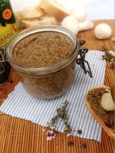 Vegetable pâté with lentils, button mushrooms and thyme - Veggie Monday - - Sin Gluten, Vegan Gluten Free, Gluten Free Recipes, Vegetarian Pate, Vegetarian Recipes, Tapas, Healthy Cooking, Cooking Recipes, Plat Vegan