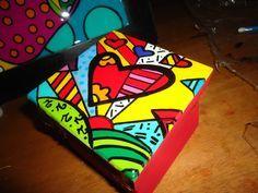 Resultado de imagen para cajas fibrofacil pintadas en acrilico Wooden Box Crafts, Painted Wooden Boxes, Cork Crafts, Hand Painted Furniture, Paint Furniture, Diy And Crafts, Decoupage, Posca, Craft Box