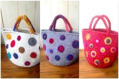 Another colour confidence crochet bag Diy Crochet Bag, Knit Or Crochet, Crochet Motif, Hand Crochet, Crochet Handbags, Crochet Purses, Handmade Handbags, Handmade Bags, Craft Bags