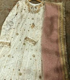For day after wedding Shadi Dresses, Pakistani Formal Dresses, Pakistani Wedding Outfits, Pakistani Bridal Wear, Indian Dresses, Indian Outfits, Pakistani Clothing, Wedding Hijab, Wedding Wear