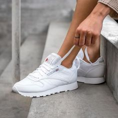 Reebok classics in white white | shoes | sneakers | fashion | camden | white | classic | lifestyle | instagram | trainers | shop | bestseller | womens shoes | mens shoes www.scorpionshoes.co.uk