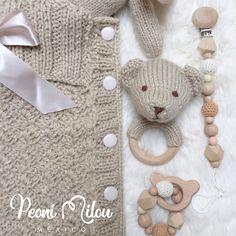 Set de bebé color beige. ✨ _______________________________________________________  TEJIDO A MANO POR VARIAS HORAS DE ELABORACIÓN  #yanacio #bienvenido #newborn #reciennacido #babycocoon #teddybear #bebefashion #nursery #preggo #embarazada #embarazo #pregnant #carters #likes #follower #babygift #beberegalo #bebetejido #tejiendo #crochet #babyknit #peonimilou #mexico #expotubebe
