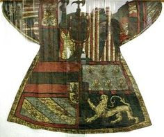 60 Examples Of Real Medieval Clothing - An Evolution Of Fashion | MorgansLists