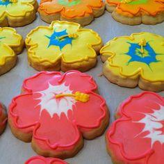 Flower cookies   Flickr - Photo Sharing! #cookies #hawaii #luau #pink