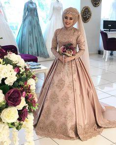 Wedding Abaya: Extensive Guide for Latest Abaya Designs Turkish Wedding Dress, Muslim Wedding Gown, Hijabi Wedding, Wedding Abaya, Muslimah Wedding Dress, Hijab Style Dress, Nikkah Dress, Muslim Wedding Dresses, Muslim Brides