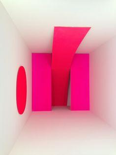 Rupprecht Geiger  Installation für Rot / Installation for Red  <  p>here: reshown 2009