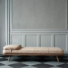 Design studio Space Copenhagen expanded the Spine Collection for Danish design house Fredericia to now include the Spine Daybed and the Spine Lounge Petit. Furniture Design Modern, Furniture Design, Daybed Design, Contemporary Furniture Design, Furniture, Modern Daybed, Rustic Furniture Diy, Home Decor, Fredericia Furniture