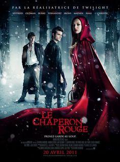 Le Chaperon Rouge : Red Riding Hood Sorti en 2011, du titre original « Red Riding Hood », Le Chaperon Rouge est un film de production canado-anglo-américaine réalisé  par Catherine Hardwicke (Twilight, chapitre I : Fascination, Les Seigneurs de Dogtown,…), et produit par Leonardo DiCaprio.  Alors que sa famille prévoit de la marier à Henry, Valérie apprend que sa sœur a été tué par une bête, celle qui avait déjà fait des ravages des années auparavant, un loup-garou… Pourquoi ? Qui-est-ce ?