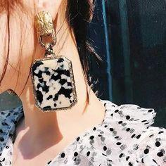 Charm Jewelry Korean Vintage Statement Earrings For Women Geometric Square Leopard Earrings Temperament Party Night Club Ear Jewelry Bijoux | Touchy Style Unique Earrings, Beautiful Earrings, Statement Earrings, Women's Earrings, Fashion Earrings, Fashion Jewelry, Jewelry Trends 2018, Sparkly Pumps, Sleeper Earrings