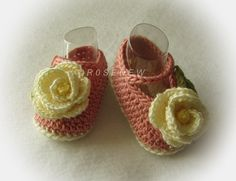 These are a great baby shower gift item!  Made of premium acrylic yarn, they are very soft for babys delicate skin. Mary Jane styling with functional