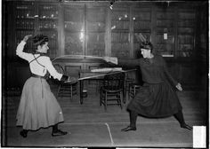 Miss L. C. Berger and an unidentified woman (possibly Miss M. Wilzinski) sparring in Chicago, 1902. Chicago Daily News photograph