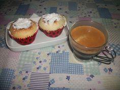 Bolinhos de coco e queijo wwweunacozinha.blogspot.com