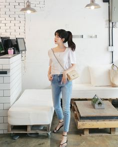 Ideas Fashion Summer Minimalist Style in 2020 Korean Fashion Trends, Korean Street Fashion, Korea Fashion, Asian Fashion, Daily Fashion, Korea Summer Fashion, Ulzzang Fashion Summer, Summer Minimalist, Minimalist Fashion