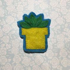 Green plant felt pin
