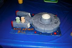 Star Trek Enterprise Cake....I might just have to make this for my little brothers' birthday