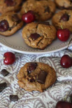 Flourless Gluten & Grain Free Paleo Cherry Chocolate Chip Cookies! #almondbutter #honey #egg