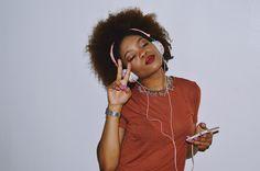 by Neon-Fox.com A C C E S S O R I E S: ankit noise cancellation headphones