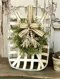 Tobacco Basket with Wreath Tobacco Basket with Baby Grass Wreath Chippy White Tobacco Basket Arrange Home Decor Baskets, Basket Decoration, Baskets On Wall, Tray Decor, Farmhouse Baskets, Country Farmhouse Decor, Farmhouse Ideas, Modern Farmhouse, Farmhouse Style