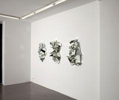 """Les """"Miroirs froissés"""" de Mathias Kiss à la galerie Armel Soyer"""