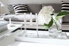 Vaihtelevasti Valkoista // Marble / Muuto Silent / By Lassen Kubus / Louis Poulsen / Arne Jacobsen / Aj table