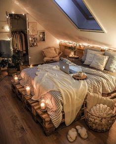 Cute Bedroom Decor, Room Ideas Bedroom, Wall Decor, Aesthetic Room Decor, Cozy Room, Dream Rooms, Dream Bedroom, Luxurious Bedrooms, My New Room