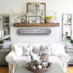 Chic Living Room, Home Living Room, Living Room Decor, Apartment Living, Farmhouse Style Decorating, Farmhouse Kitchen Decor, Farmhouse Livingrooms, Farmhouse Furniture, Farmhouse Chic