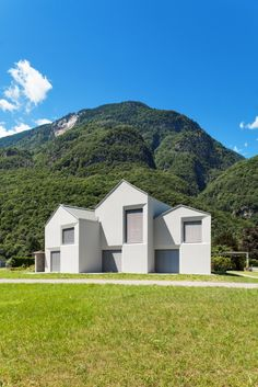 Gallery of Swiss House XXII Preonzo / Davide Macullo Architects - 6