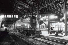 GG1Harrisburg | Charles Warren | Flickr Charles Warren, Pennsylvania Railroad, Locomotive, Trains, Photography, Photograph, Fotografie, Photoshoot, Locs