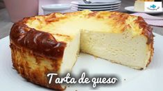 TARTA de QUESO. Tarta de queso con menos calorías. MUY ESPONJOSA!! Cheesecake Recipes, Dessert Recipes, Sweet Pastries, Flan, Sweet Recipes, French Toast, Deserts, Food And Drink, Cooking Recipes