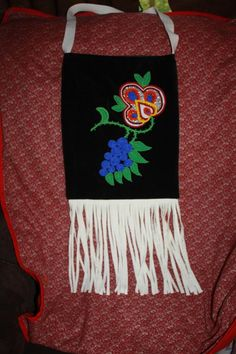 Traditional Ojibwe Beaded Bag by MorrowsNativeArt on Etsy Beaded Purses, Beaded Bags, Indian Beadwork, Ribbon Shirt, Side Bags, Bead Weaving, Purse Wallet, Purses And Bags, Reusable Tote Bags