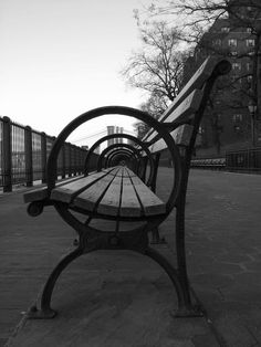 Portofolio Fotografi Urban - Black and White Urban Scenes by Frederic Bourret  #URBANPHOTOGRAPHY