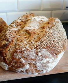 Savoury Baking, Bread Baking, New Recipes, Vegan Recipes, Cooking Recipes, Vegan Food, Cauliflower Garlic Bread, Piece Of Bread, Our Daily Bread