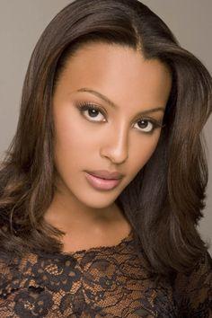 Neutral make up brown skin Pretty Black Girls, Beautiful Black Girl, Divas, Afro, Sexy Ebony Girls, Brazilian Women, Exotic Women, Celebrity Makeup, Brown Skin