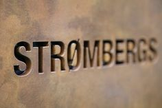Strombergs, Schild aus rostigem Stahl