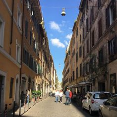 Roaming the streets of Rome  #traveltheworld #travel #photography #hubbyandwifey #couplegoals #rome #italy #italia #europe #eurotrip #europe2016 #vacation #tourist #tourism #iphone6s #nexus6p #nofilter #streetphotography