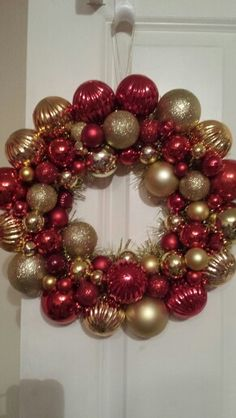 Red and gold bauble wreath.