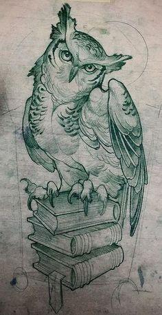 Эскиз тату с совой, сидящей на книгах
