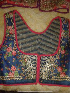 Folk Costume, Costumes, Apron, Fashion, Moda, Dress Up Clothes, Fashion Styles, Costume, Fasion