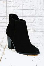 Deena & Ozzy Nirvana Suede Boots in Black at Urban Outfitters