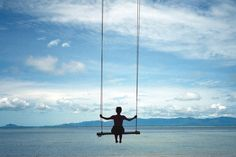 Going to build a swing by lake like this