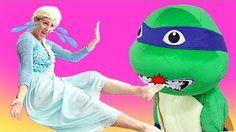Мультфильм Супергерои и Человек Паук c Эльза и Анна Смешной в Реальной Жизни Эльза Теряет Ее платье - YouTube