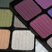 Making eye shadow at home can be turned into a hobby. Not only can you give your eye-shadow creations away as gifts, but you also can make custom eye-shadow colors for yourself. It's not difficult to make eye shadow, but you need a few essential ingredients. Fortunately for your skin, the ingredients are natural and healthy, as opposed to some...