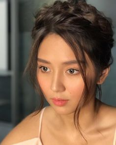 Never miss out on trending on- and off-cam photos of Kapamilya shows and celebrities. Kathryn Bernardo Photoshoot, Kathryn Bernardo Hairstyle, Kathryn Bernardo Outfits, Filipina Actress, Filipina Beauty, Pretty Hairstyles, Straight Hairstyles, Natural Straight Hair, Prity Girl