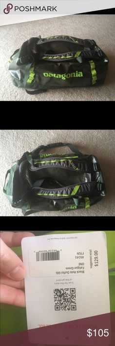 Green Patagonia black hole duffle bag 60L Brand new! Never used! 60L Patagonia Bags