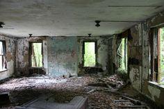 North Brother Island near New York City, New York   New York City's mysterious abandoned North Brother Island (20 ...