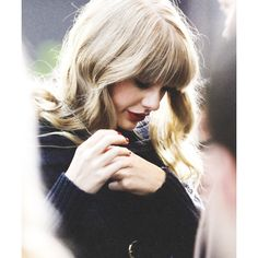 Taylor Swift ❤ liked on Polyvore featuring taylor swift, people, backgrounds, celebrities and hair